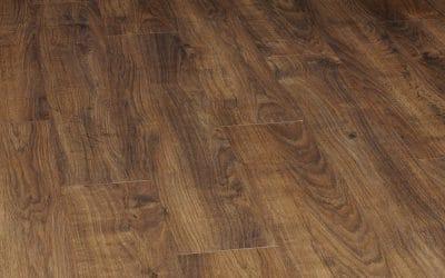 Laminate vs solid wood flooring